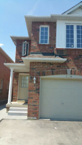 Nov 5: Furnished 3 Bedrm House@Mississauga(Britannia & Terry Fox