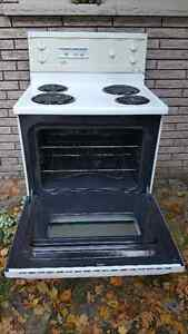 Stove - clean, good working condition Kawartha Lakes Peterborough Area image 2