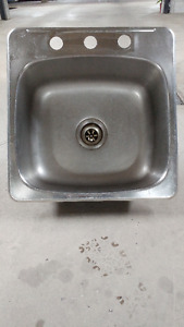 Lavabeau de cuisine! Kitchen sink with faucet,
