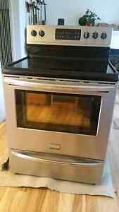 Frigidaire Gallery Stainless Steel Electric Stove / Oven.