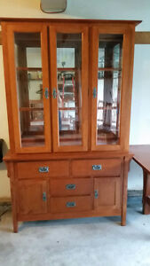 * Complete dining set: table w/ leaf, 6 chairs, buffet, hutch *