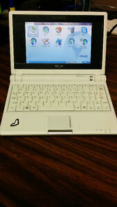 Asus Eee PC 2G Surf Stratford Kitchener Area image 1