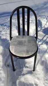 4 chaises Amisco Saguenay Saguenay-Lac-Saint-Jean image 1