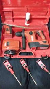 Hilti TE 4A Rotary Hammer Drill w/acessories *final reduction-$5