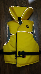 MEC youth PFD Life Jacket (life preserver)