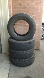 4 Winter Tire Set – Great Condition! For Van or SUV.