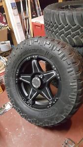 325/60r18 M/T tires on vtec off road wheels