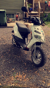 Scooter Derby 70cc moteur neuf