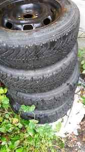 14 inch rims with winter tires Kitchener / Waterloo Kitchener Area image 1