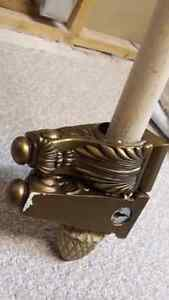 """92""""decorative wooden curtain rod with 2 ends and brackets London Ontario image 5"""