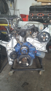 New Ford 302 crate motor