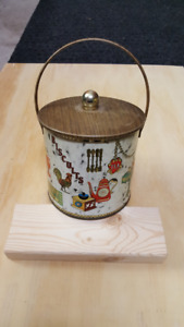 English Biscuit or Tea tin with lid.