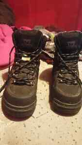 Men's work boots Size 8!!