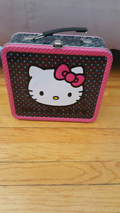 Hello Kitty Retro Lunch box style container