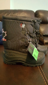BRAND NEW KIDS SIZE 4 BOOTS