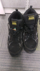Size 13 steel toe hikers.