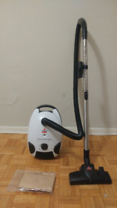 Bissell Vacuum Cleaner + Extra Bags