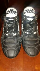 MITRE Baseball Shoes - Size 10 1/2