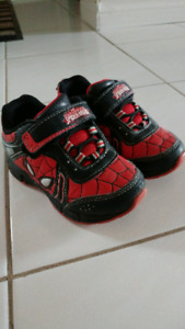 Toddler boys shoes (size 8)