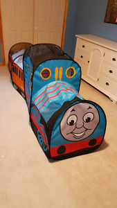 Thomas indoor pop up tent and caboose