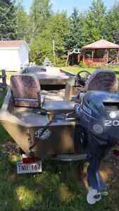 Boat and motor for sale ...mint
