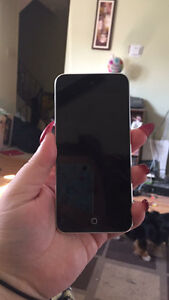 16 GB iPod touch- 5th Generation