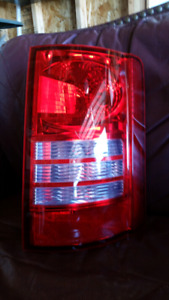 Dodge caravan right tail light
