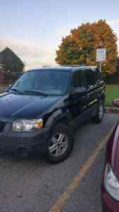 2007 Ford Escape XLS 5 speed Manual trans.