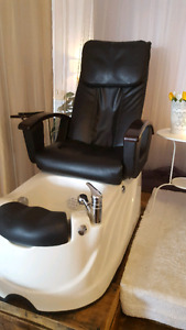Pair of Pipeless Spa Pedicure Chairs with Shiatsu Massage