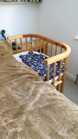 Baby bay bed side cot