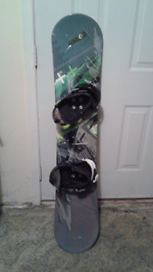 LAMAR Demon snowboard with Nitro bindings