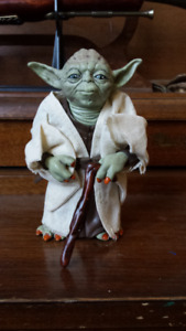 Star Wars Master Yoda realistic action Figurine 12cm heigh