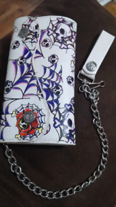 Skull chain wallet spider web