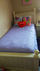Twin size bed with matress and box spring