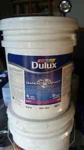 5 Gallon PREMIUM LATEX PAINT