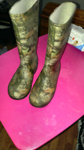 Size 1 kids rubber boots ...