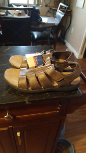 Men's sandles brand new. Size 12