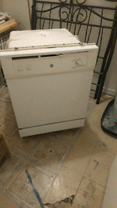Lavaisselle à vendre. Dishwasher for sale