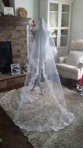 CLEARANCE: NEW Cathedral Chapel White Lace Mantilla Veil