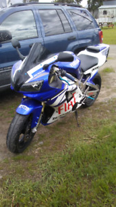 R1 1000 yamaha 1999, engine done up low km, very fast