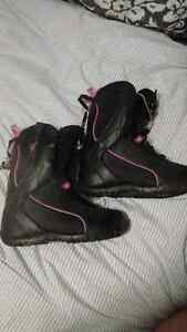 Firefly snowboard boots womens 9 , 100$ or best offer