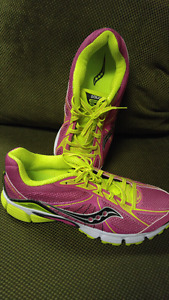 Womens Size 11 Saucony Running Shoes:  brand new