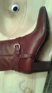 ANNE KLEIN ANKLE BOOTS size 7 1/2