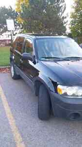 2007 Ford Escape XLS 5 Speed manual trans-Excellent Running