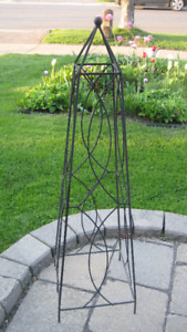 Garden Metal Trailers for Climbing Plants or tall ones in black.