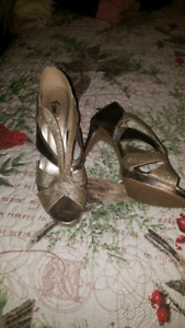 Size 9 Silver Shoes