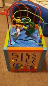 Baby activity cube New condition