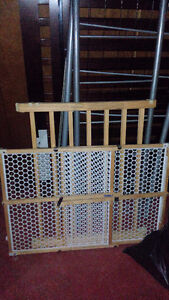 Selling 2 baby gates