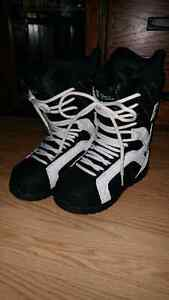 Mens Forum snowboard boots size 8
