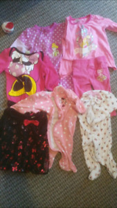 Selling baby girl disney clothes lot 10$